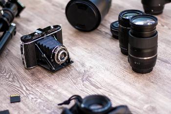 Catalogare e archiviare le fotografie: due proposte formative